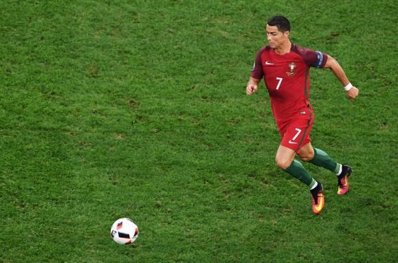 Ronaldo toujours accroché aux basques de Platini