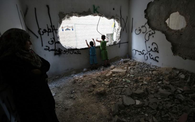 Israël démolit les maisons de deux Palestiniens et autorise de nouveaux logements coloniaux en Cisjordanie