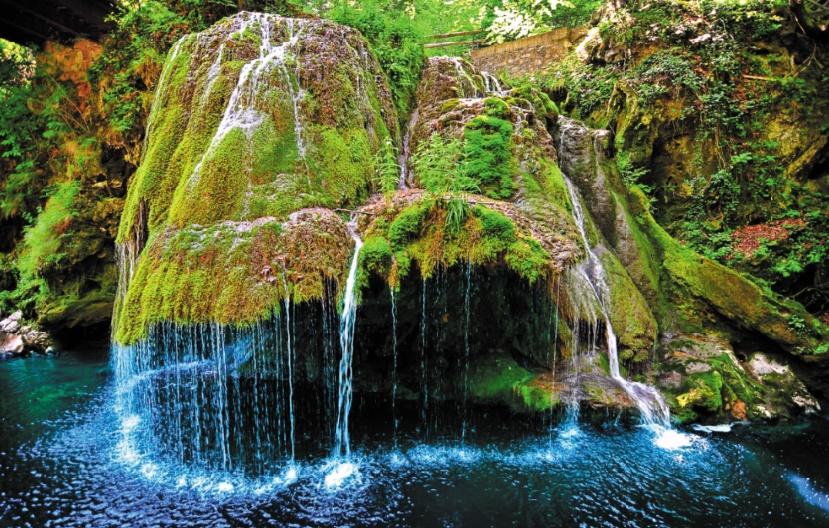 Les destinations les plus spectaculaires du monde :  La cascade Bigar - Roumanie