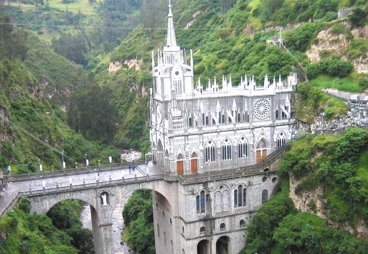 Les destinations les plus spectaculaires du monde : Le sanctuaire de Las Lajas - Colombie