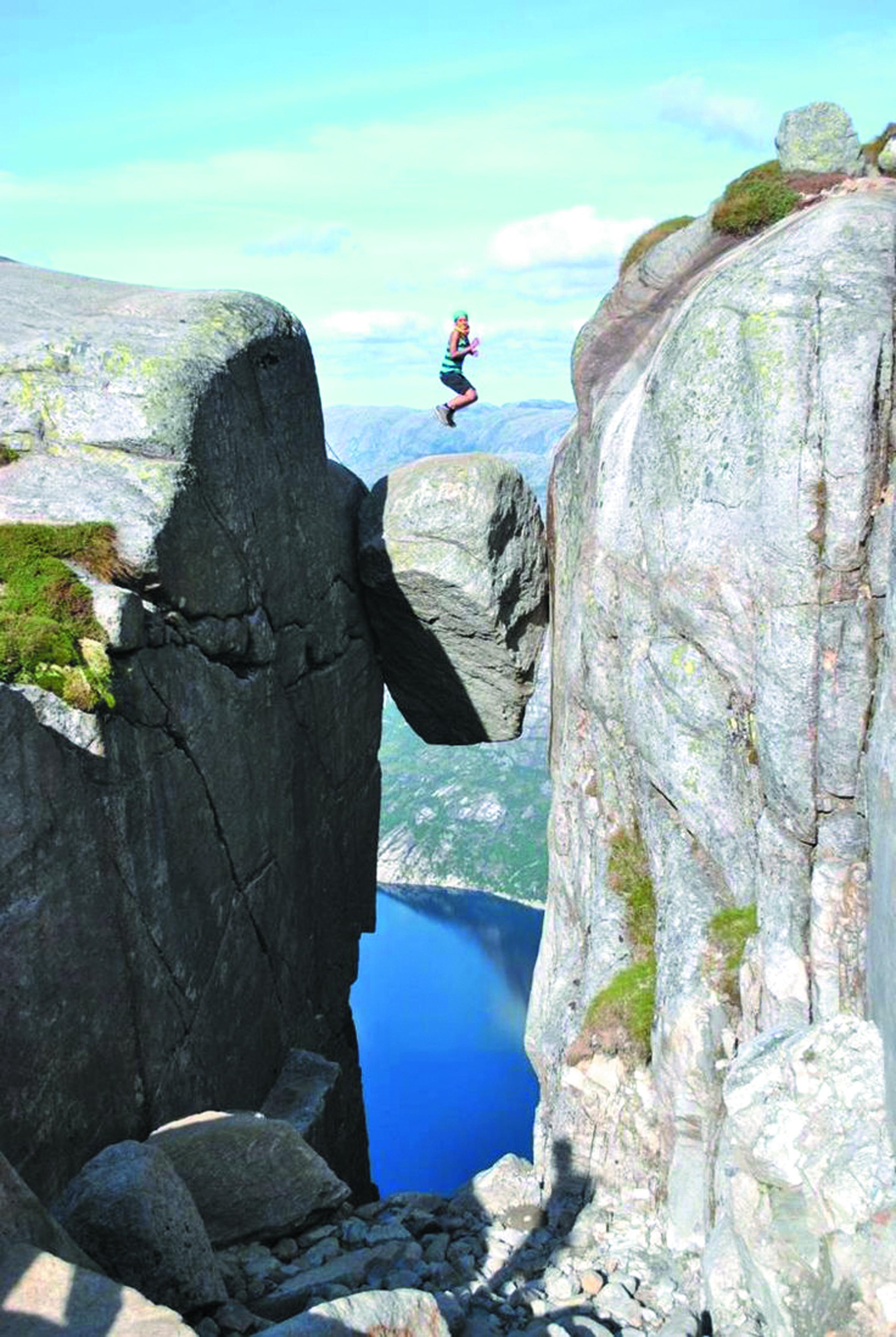 Les destinations les plus spectaculaires du monde : Kjeragbolten - Norvège