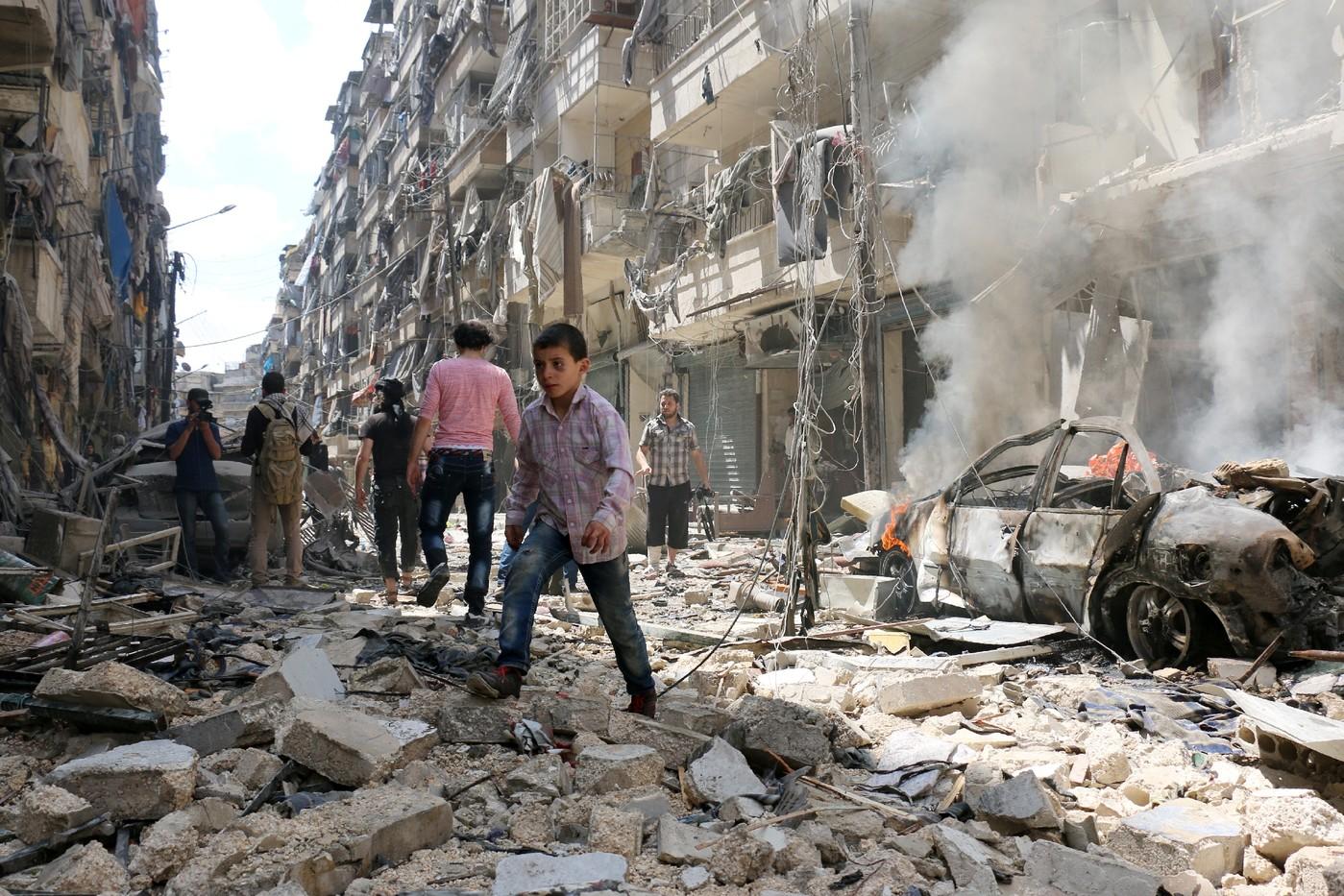 28 civils tués dans des raids aériens sur des quartiers rebelles d'Alep