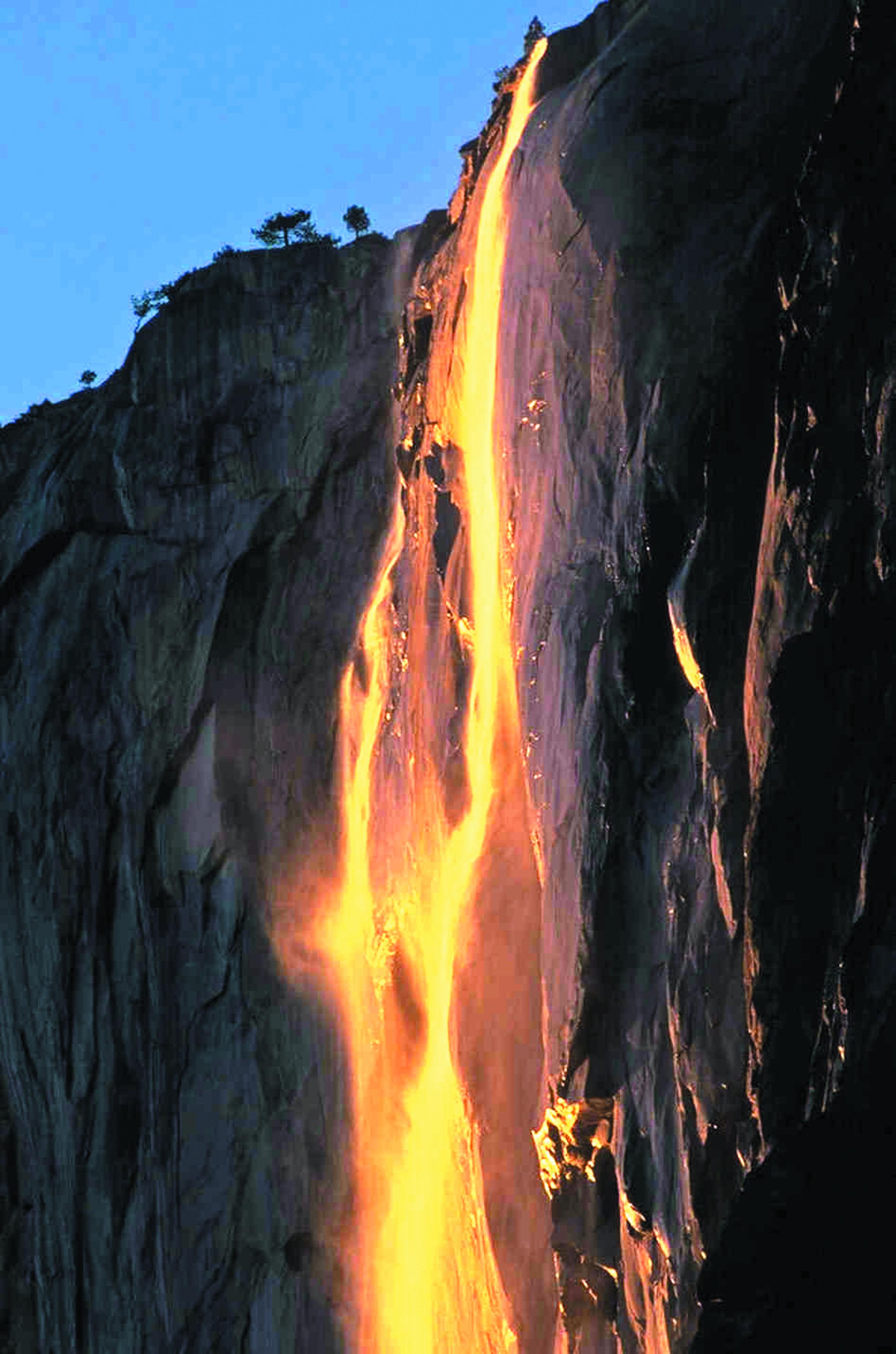 Les destinations les plus spectaculaires du monde : Horsetail Fall - Yosémite, Etats-Unis