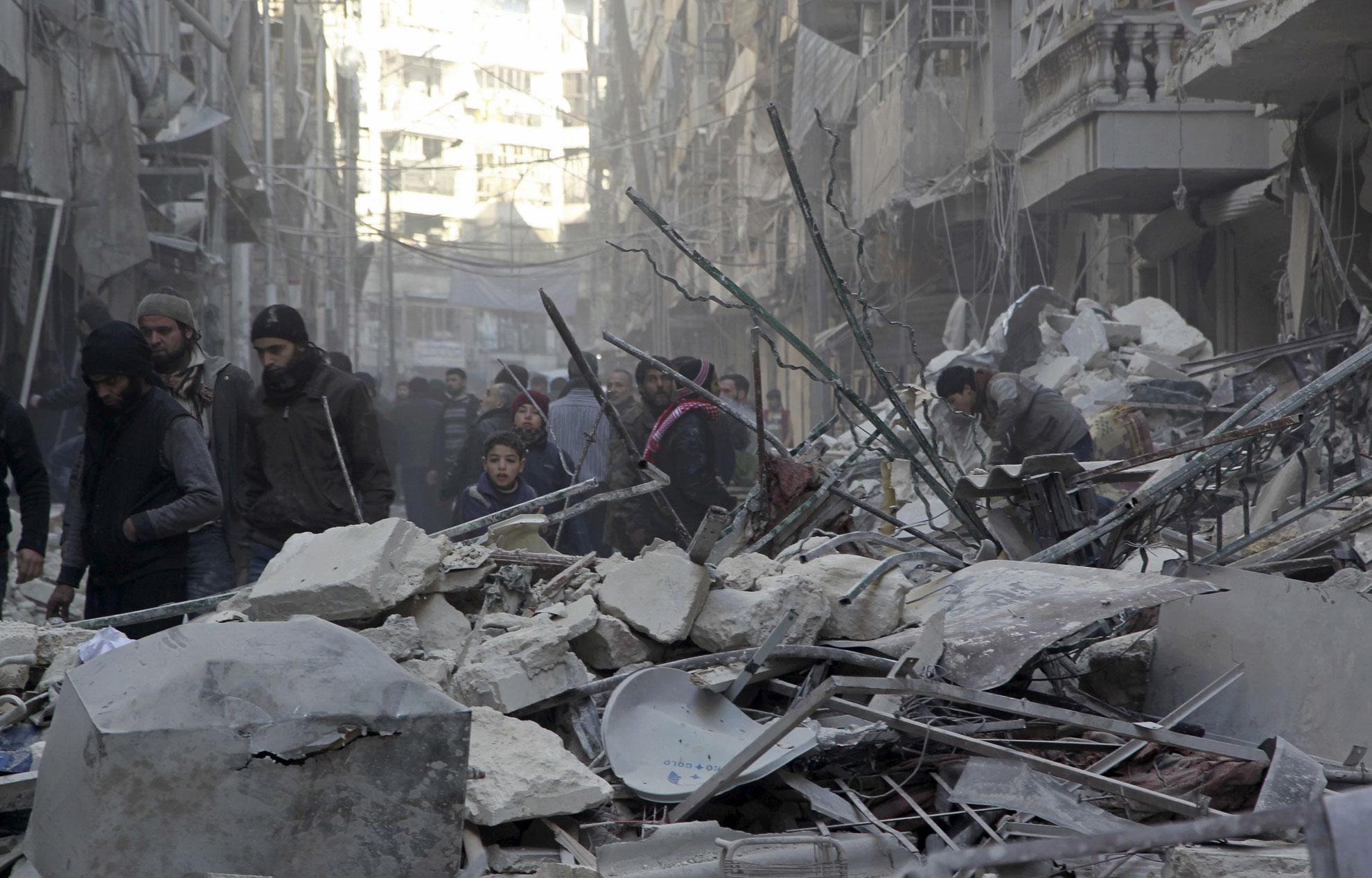 Les forces du régime syrien resserrent l'étau sur les rebelles d'Alep