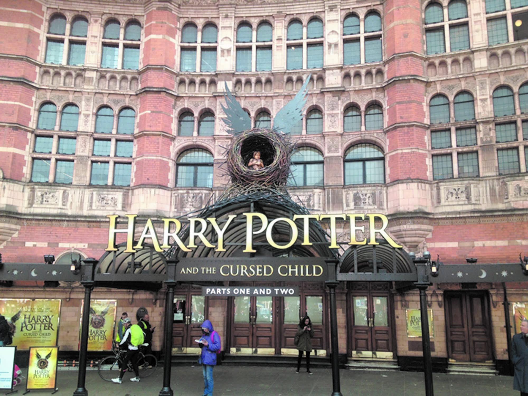 Première mondiale  Harry Potter sur les planches