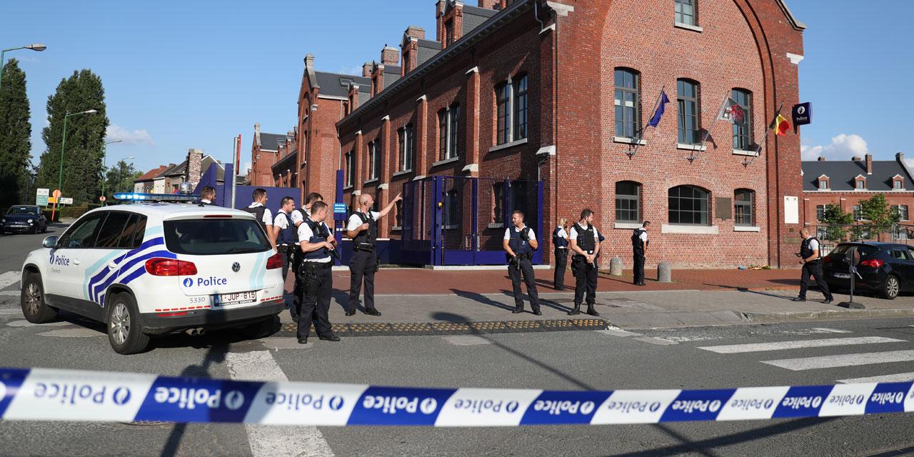 Deux policières belges blessées à la machette à Charleroi