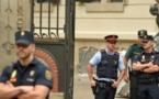 Madrid s'attaque aux bureaux de vote du référendum interdit