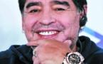 """Diego Maradona découvre """"son"""" club du Dinamo Brest et veut rencontrer Loukachenko"""