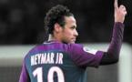 Neymar reste au Paris SG