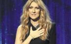 Quand Céline Dion raccommode elle-même ses bas troués sans les enlever