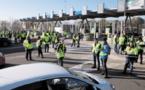 """Des """"Gilets jaunes"""" appellent à bloquer Paris samedi prochain"""