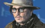Après Vanessa Paradis, une autre ex vole au secours de Johnny Depp
