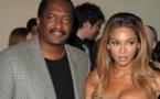 Le père de Beyoncé est fauché, il vend des affaires de la star