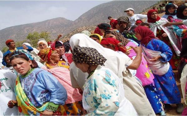 La caravane des femmes africaines crée une association à Aït M'hamed