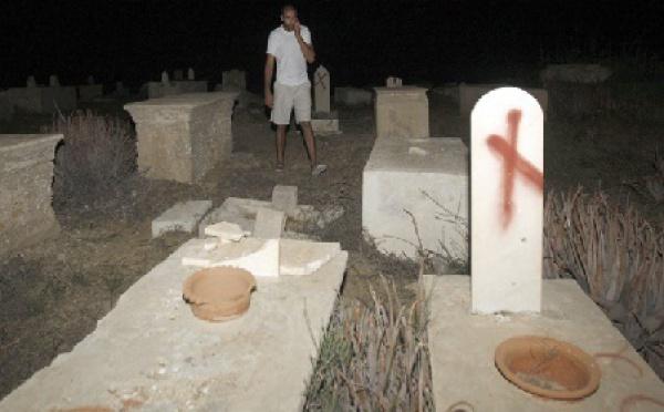 Les actes extrémistes des colons juifs se poursuivent : Profanation de tombes musulmanes et chrétiennes à Jaffa