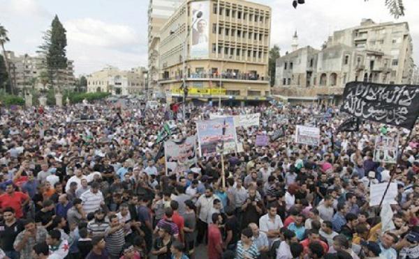 La Chine appelle à accélerer les réformes :  La communauté internationale condamne les violences en Syrie
