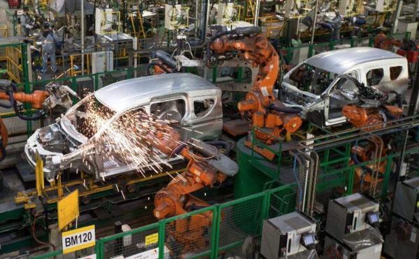 Forte baisse de l'indice de production dans les industries automobile et du bois