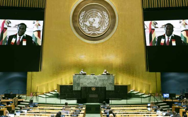 A l'ONU, le président du Zimbabwe demande la levée des sanctions occidentales