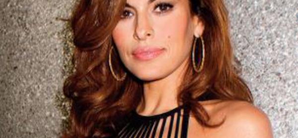 Eva Mendes dément les rumeurs de chirurgie esthétique