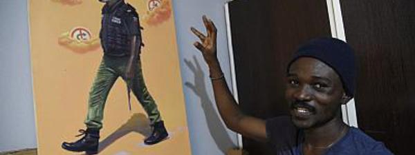 "Julius Agbaje, un peintre ""satiriste"" opposé aux injustices au Nigeria"
