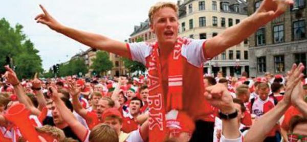 Au Danemark, l'euphorie en rouge et blanc avant les quarts