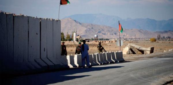 Des roquettes endommagent l'aéroport de Kandahar