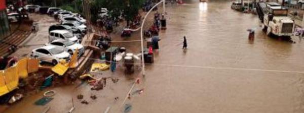 Le bilan des inondations en Chine s'alourdit brutalement à 302 morts