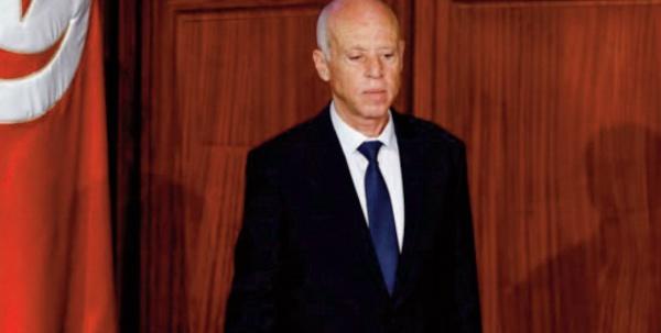 Le président tunisien prolonge sine die le gel du Parlement
