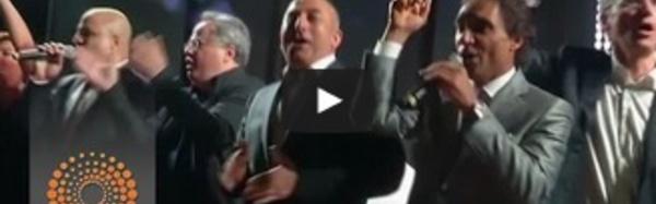 """Quand les ministres turc et grec chantent """"We are the world"""""""