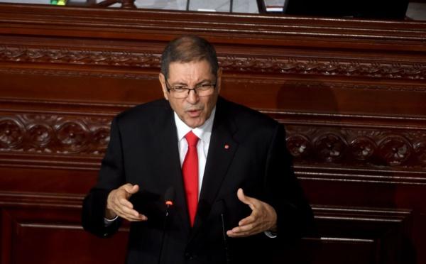 Le Parlement tunisien retire la confiance au gouvernement de Habib Essid