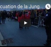 L'évacuation de la Jungle de Calais a commencé avec le départ des premiers bus