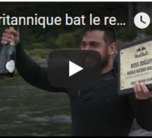Un Britannique bat le record de la plus longue nager en mer