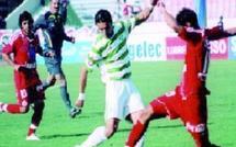 A une journée de la fin du championnat, le Raja a renoué avec le sacre : Le MCO rejoint le Chabab en seconde division