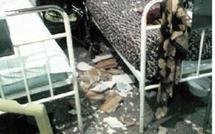 Une femme hospitalisée échappe à une mort certaine à Khémisset : Le toit d'un hôpital s'effondre sur une septuagénaire