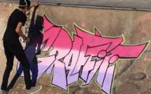Reda Boudina expose sa démarche du graffiti
