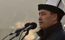 Sadyr Japarov, de la prison aux portes de la présidence kirghize
