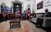 """Biden et Trudeau vantent """"l'extraordinaire amitié"""" américano-canadienne pour clore l'ère Trump"""