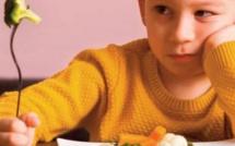 Les enfants mangent plus de fruits et légumes s'ils passent plus de temps à table