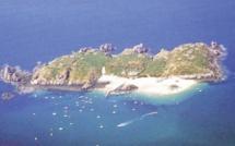 70 ans après avoir été napalmée par les Alliés, une île bretonne veut s'ouvrir au tourisme