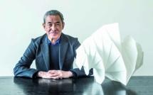 Portrait : Issey Miyake, styliste  au-delà des frontières